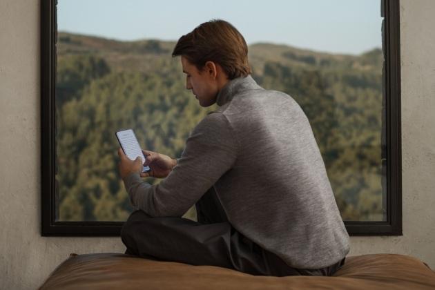 Confinement : les Français passent plus de temps sur leurs smartphones